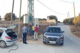 إصلاح الخلل في منطقة القعدة اثر حرق فيوزات خط الضغط العالي من قبل قسم صيانة الكهرباء في بلدية قصرة